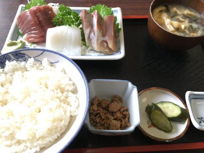 銚子漁港の定食屋での朝ご飯
