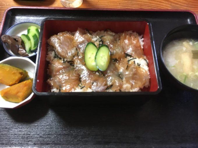 べっこう寿司の丼ぶり