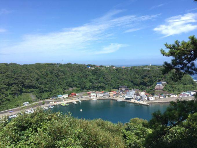見晴らし台からの波浮港