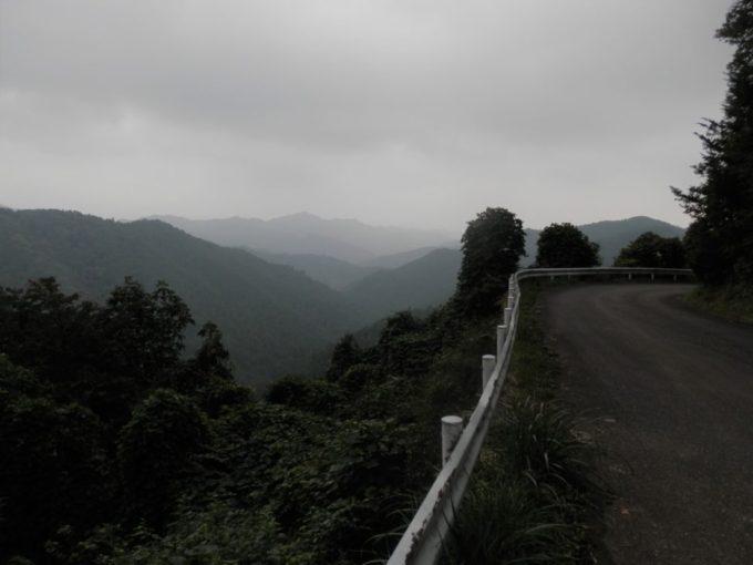 仁田山峠の頂上