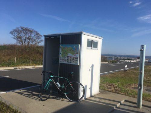 霞ケ浦沿いの公衆トイレ(茨城県稲敷郡美浦村)