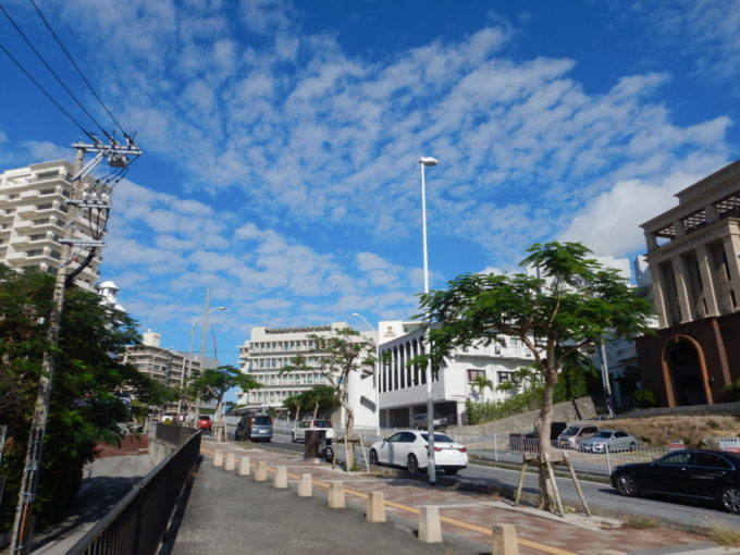沖縄県那覇市のパイプライン通り