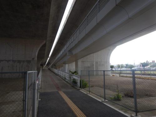 糸満市の国道331号に上がる道