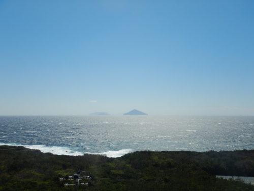 伊豆大島一周道路からの海の眺め
