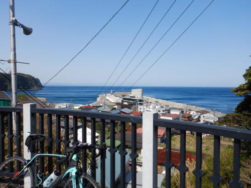 岡田港を一望できるスポット