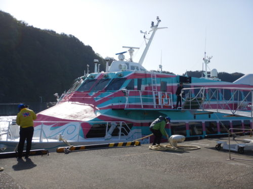 伊豆大島からの高速ジェット船