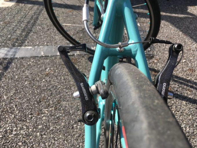 クロスバイクのVブレーキ解放