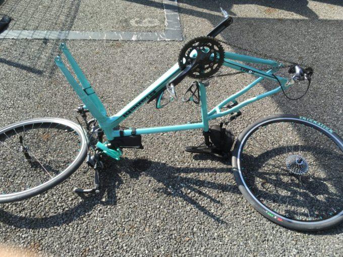 輪行作業でひっくり返したクロスバイク
