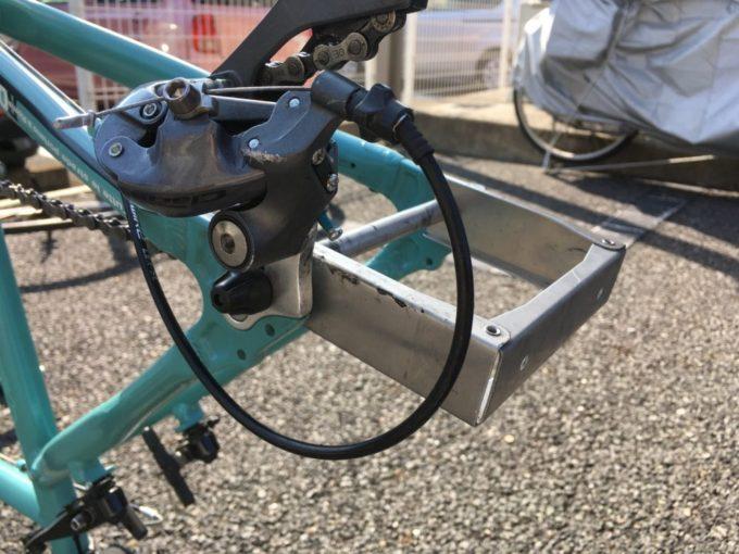 クロスバイクに取り付けたエンド金具