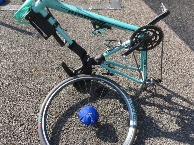 クロスバイクのスプロケットカバーとフレームカバー