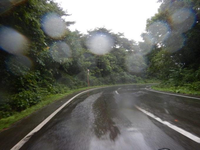 大雨の中をサイクリング