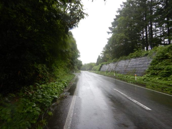 岩手県道258号・繋温泉線を走る