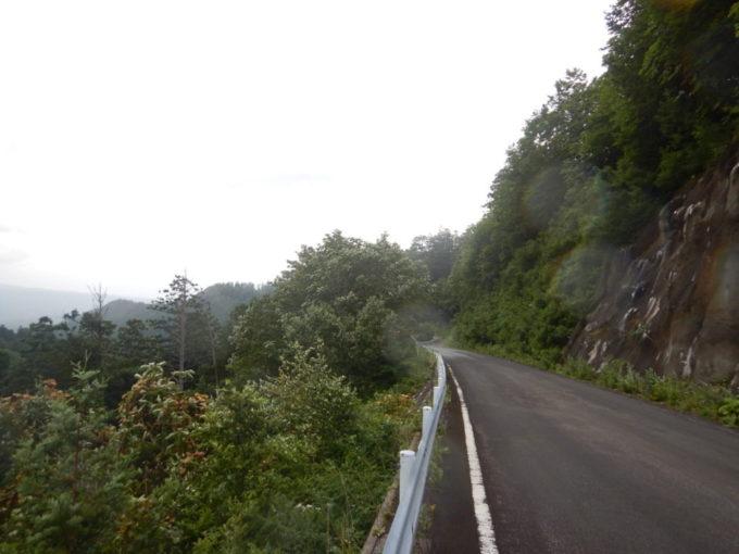 県道4号・むつ恐山公園大畑線を大間方面へ走る