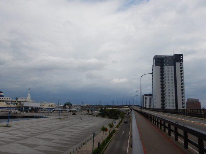 函館市のともえ大橋