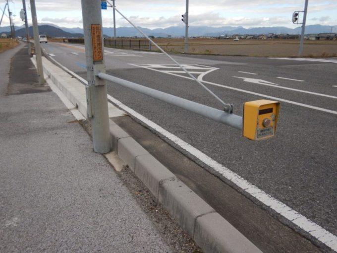 兵庫県道25号・さざなみ街道の信号機