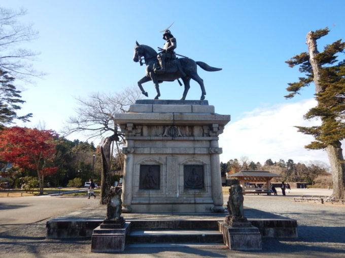 仙台城跡の伊達政宗公騎馬像
